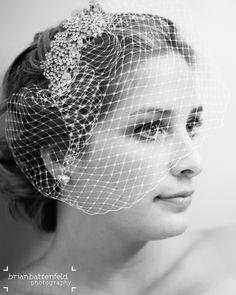 Gorgeous bride rocking her birdcage