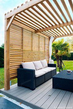 Rénovation en jardin contemporain et modernisation en espace paysager design. Changement des terrasses et plages piscine, installation d'une pergola