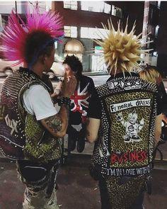 #punksdresspunk