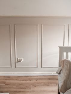 Dining Room Paneling, Stair Paneling, Wall Panelling, Wall Pannels, Painted Paneling Walls, Modern Wall Paneling, Paneling Ideas, Bedroom Wall, Bedroom Decor