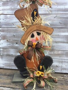 We always provide the ideas for your particular time home decoration which are not costly but valuable. Here are the best DIY spring wood crafts ideas for you. Thanksgiving Wood Crafts, Thanksgiving Decorations, Fall Crafts, Holiday Crafts, Halloween Decorations, Wood Scarecrow, Scarecrow Wreath, Scarecrow Painting, Halloween Porch