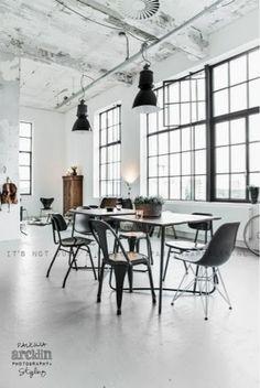 Eisenfenster/ Fabrikfenster!!! Durchbruch zwischen Küche und Essbereich machen und einsetzen!