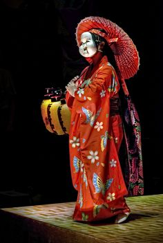 """""""Noh theatre, Japan by Jon Sheer Photography"""" That face could work for a puppet!"""