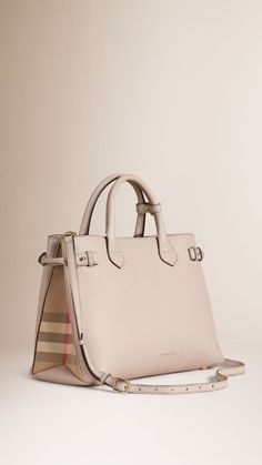 a8ed11dd52 The Medium Banner in Leather and House Check Burberry Bolsas