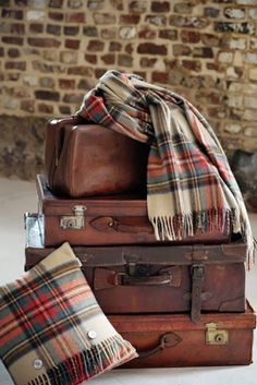 I literally love tartan. Tartan scarves - I bought mine from Primark - similar to the one above. Tartan Decor, Tartan Plaid, Plaid Scarf, Plaid Blanket, Vintage Suitcases, Vintage Luggage, Tweed, Trunks, Diys