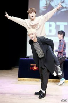 Bangtan Boys - Jimin & Taehyung (V) | 141127 | Gangnam Fansigning Event | Facebook