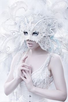 White mask for ME – All White Party White Masquerade Mask, Masquerade Party, Halloween Masquerade, Snow Queen, Ice Queen, Frozen Queen, Dossier Photo, All White Party, Carnival Masks
