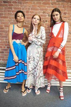 Valentino Resort 2018 Fashion Show Backstage, Cruise, New York, Runway, TheImpression.com - Fashion news, runway, street style, models, accessories