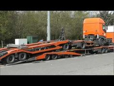 De Rooy DAF Transporter loading a De Rooy Iveco Transporter