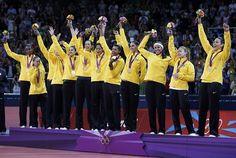 Seleção Feminina de Vôlei Feminino, Bicampeã Olímpica!