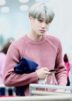Kai looks like a warm comforter in sweaters 💙 Exo Kai, Baekhyun Chanyeol, Luhan And Kris, Kaisoo, Jeonghan, Tao, Kim Jong Dae, Kim Minseok, Kim Junmyeon