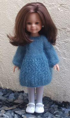 Voilà le Tuto de cette petite robe.   Un clic sur le lien sous la photo.   C'est le premier de l'année!   Bonne journée, Bises, Céline.   ... Little Dresses, Flower Girl Dresses, Celine, Robe Diy, Chelsea Doll, Diy Vetement, Knitted Dolls, Diy Doll, I Dress