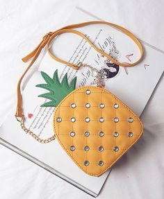 Bolsa Divertida modelo Abacaxi  Frete Grátis visite a loja online https://www.bolsasdivertidas.com.br/
