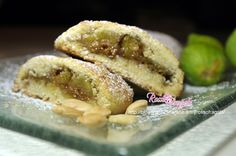 Strudel di fichi e mandorle Strudel, Italian Desserts, Sweet Cakes, Doughnut, Cookie Recipes, Biscuits, Food And Drink, Sweets, Cookies