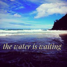 swEEt drEaMs …#thewateriswaiting fÖr yöu ⭐️ #kauai #surf #surfgirl #surfphotography #surfphoto #hawaii #swell #waves #ocean #sea #rawwellnessinfo #beach #beachbum #beachbabe #beachgirl #surferbabe #beachliving