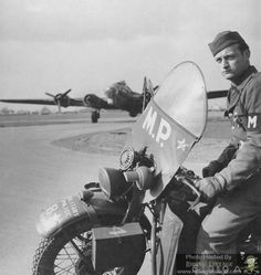 Vintage Motorcycles Riding Vintage: The US Military Police and Their Harley-Davidson . Harley Davidson Wla, Vintage Harley Davidson, Harley Davidson Motorcycles, Cool Motorcycles, Vintage Motorcycles, Indian Motorcycles, Military Police Army, Canadian Army, Classic Bikes