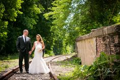 Brittany & Sean Wedding at The Roundhouse at Beacon Falls | sarah tew photography