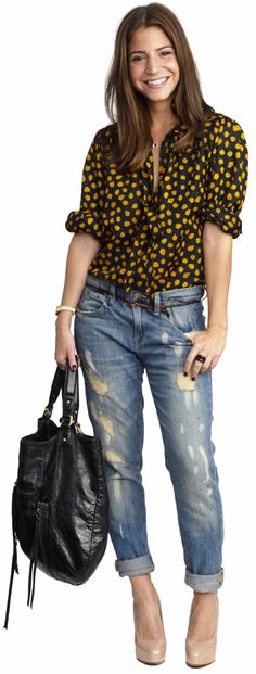 Seriously, Coolest Site Ever award.  Or at least most creative.  And I love this outfit.  I haven't tried these kinda jeans yet, but I want to!