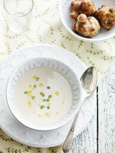 Smooth Sunchoke Soup Recipe  2 tbsp butter 2 tbsp olive oil 1 small onion, chopped 1 large leek (white part only) thinly sliced 2-3 garlic c...