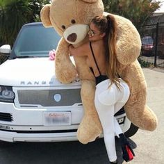 I want that teddy bear 😩❤️