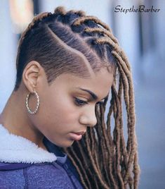 Asymmetrical Undercut With Faux Locs - Best New Hair Styles Shaved Side Hairstyles, Faux Locs Hairstyles, Shaved Side Haircut, Middle Hairstyles, African Hairstyles, Wet Hair Curls, Braids With Shaved Sides, Natural Hair Styles, Short Hair Styles