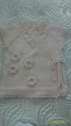 This Pin was discovered by Gül Baby Knitting Patterns, Knitting Designs, Baby Patterns, Free Knitting, Crochet For Kids, Knit Crochet, Knitted Baby Clothes, Diy Scarf, Knit Dishcloth