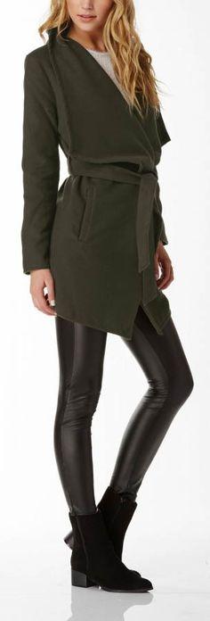 I need this coat! So stylish yet affordable.