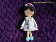 www.unpocodetodo.org - Broches de enfermeras  - Broches - Goma eva