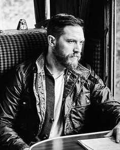 Good night lovelies! ✨ #tomhardy #hardyfamily