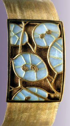 ANDRE KAUFFER, Nancy Plaque-de-cou Gilded silver Plique-à-jour enamel