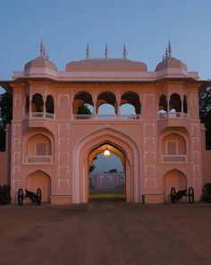 Suján Rajmahal Palace we take a look inside Jaipur's most luxurious hotel