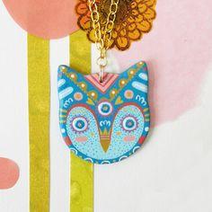 Owl Pendant Necklace in Aqua por CamilleChewDesigns en Etsy, $45.00