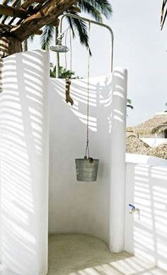 lizard project outdoor shower bucket shower head - outside showers - reminiscent of greece architecture Outdoor Baths, Outdoor Bathrooms, Outdoor Rooms, Outdoor Gardens, Outdoor Living, Outdoor Life, Outside Showers, Outdoor Showers, Exterior Design