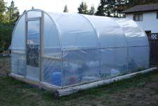 DIY greenhouse    http://www.123-greenhouse-gardening.com/diy-greenhouses.html