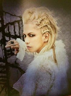 [New] The 10 Best Photography Today (with Pictures) - What an incredible beauty is! You wanna know whats crazy? His musical talent and ability outweigh his good looks. Phenomenal vocal power and range! Gackt, Hair Reference, Japanese Men, Visual Kei, Cool Bands, New Music, Amazing Photography, Hair Makeup, The Incredibles