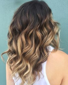 "129 Likes, 4 Comments - Balayage + Business Training (@mastersofbalayage) on Instagram: ""Rum ➕ Coke By @hollyjames_styles #mastersofbalayage"""