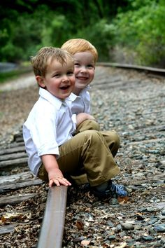 thinking I am going to do this one with the boys come spring...really like the railroad tracks :) (pics)