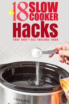 18 Slow Cooker Hacks That Don't All Include Food How does anyone live without a slow cooker? If you're one of the few that doesn't think they need a slow cooker in their life, then get ready to have your mind changed right now. But before you hea. Crockpot Dishes, Crock Pot Slow Cooker, Crock Pot Cooking, Pressure Cooker Recipes, Pressure Cooking, Crockpot Recipes, Cooking Tips, Cooking Recipes, Cooking Icon