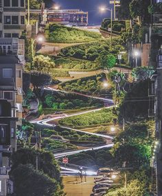 An awesome Virtual Reality pic! Blending reality with sci-fi is #lombardstreet #sanfrancisco photo via @jeremyjauncey #bucketlist #travel #coolness #calidreamin #usa #thefuture #virtualreality #sortof by coconnuts check us out: http://bit.ly/1KyLetq