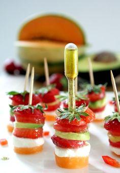 melon + fraise + tomate + avocat + mozzarella di buffala