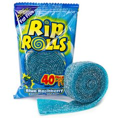 Satisfy any sweet tooth at weddings, baby showers, or corporate events with the help of our blue candy and turquoise candy selection. Fini Candy, 90s Candy, Bolo Youtube, Candy Theme Birthday Party, Junk Food Snacks, Princess Toys, Candy Brands, Blue Candy, Favorite Candy