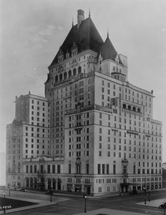 """old canada: Vancouver, BC 1938 Hotel Vancouver "" Vancouver Bc Canada, Vancouver City, Vancouver Island, Facade Architecture, Most Beautiful Cities, Haunted Places, British Columbia, Old Photos, Trip Planning"