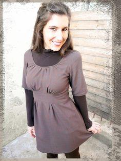 Une dahlia dress de Colette Patterns. Prochainement sur mon blog: http://lescreationsdecaroscrap.blogspot.fr/