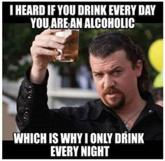 Amazing 18 Funny Drunk Memes A collection of best-drunk memes and fail drunk people that show us what happens if you drink alcohol too much. Drinking is not good but these funny drunk memes and give yourself something to… Funny Drunk Memes, Funny Shit, Funny Drinking Memes, Drunk Humor, Drinking Quotes, Beer Humor, Golf Humor, Beer Memes, Funniest Memes