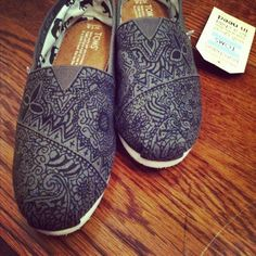 DIY toms design with oil based paint pen