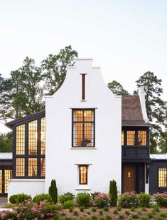 Dutch inspired architecture with black exterior on Thou Swell @thouswellblog