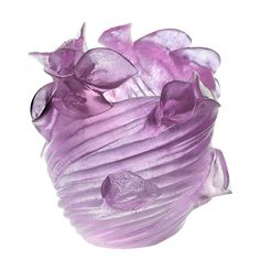Inspired by the unpublished drawings of Henri Bergé, the round Arum vase, has all the appearance of a bouquet. The lilac arum lilies are entwined together with only the delicate flowers appearing. Bly Daum Creative Workshop