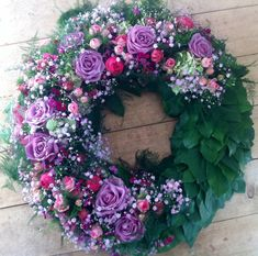 Blossom dreams from Bausendorf Funeral Planning, Funeral Ideas, Old Wedding Dresses, Funeral Tributes, Mothers Day Wreath, Wreaths And Garlands, Sympathy Flowers, Funeral Flowers, Fresh Flowers