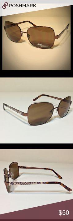 *NEW* Daisy Fuentes Delfina Sunglasses w/ Xyloware 🆕🕶 *NEW* Daisy Fuentes DF Delfina 183 Gradient Brown 100% UV Sunglasses w/ Xyloware Frame |*|*| 🕶🆕 Daisy Fuentes Accessories Sunglasses