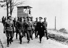 Una de las noticias de historia que a buen seguro van a llenar páginas estos días es el reciente descubrimiento de los presuntos diarios de Heinrich Himmler, personaje que no necesita presentación: fue uno de los líderes del NSDAP (Partino Nacional Socialista Alemán), reichsführer de las siniest